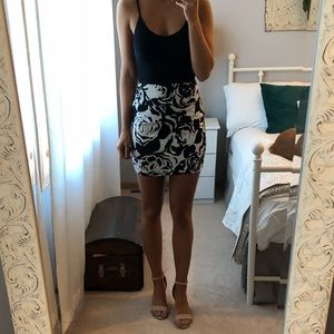 Dresses & Skirts - Floral print pencil skirt